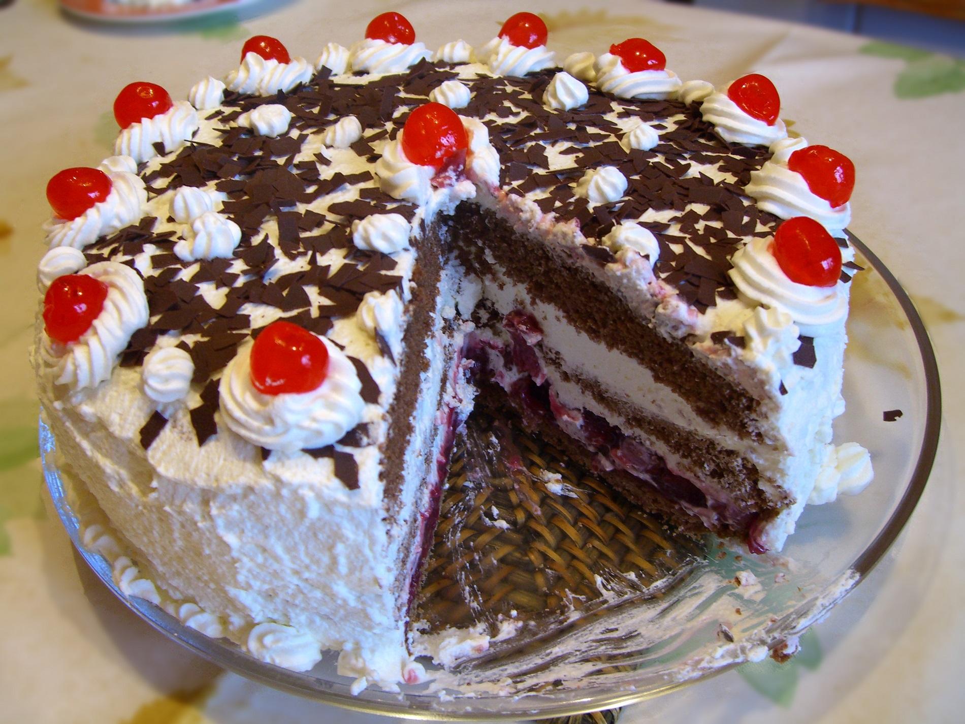 Resep Black Forest Spesial Cocok Untuk Kue Ulang Tahun